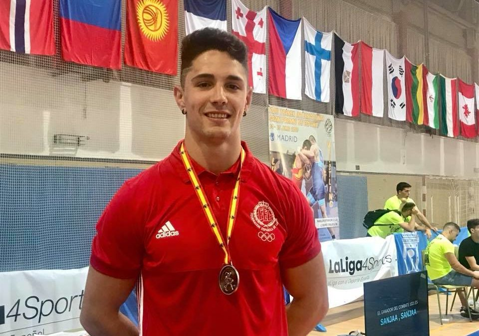 Una medalla más para Torredelcampo conseguida en el Torneo Internacional Gran Premio de España de Lucha