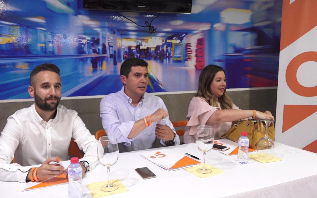 Ciudadanos analiza en Torredonjimeno el impuesto de sucesiones además de la ley de autónomos