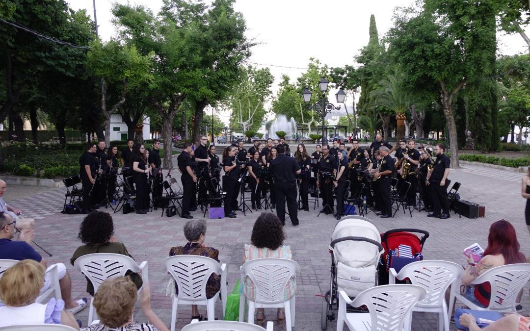 La Banda de Torredonjimeno ofrece un recital de música en el Parque Municipal