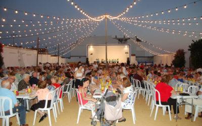 """Más de 700 personas asisten a la """"Cena de los mayores"""""""