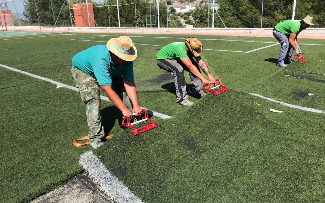 El campo de fútbol estrenará césped y marcador electrónico