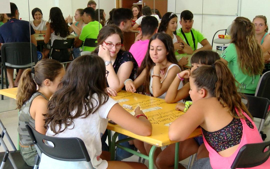 """Tardes de juego y diversión en el Centro Social """"EL Olivo"""""""