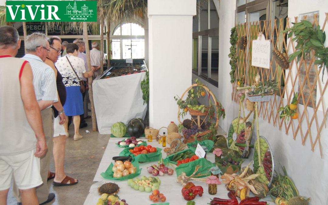 La edición número 69 del concurso de productos hortofrutícolas vuelve a llenar la plaza de abastos