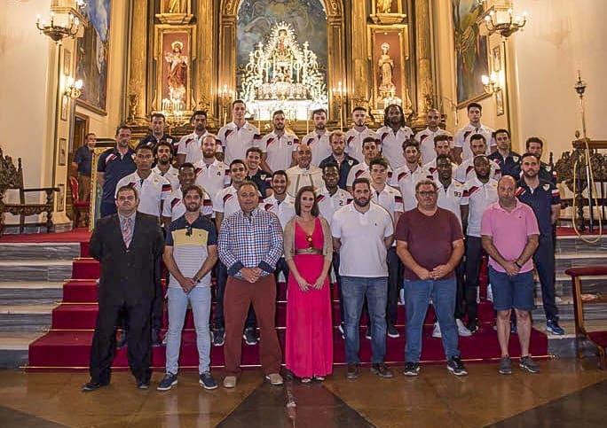 Ofrenda floral del Martos CD a la Virgen de la Villa