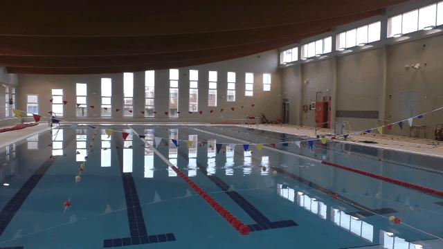 El Ayuntamiento sondea a los marmolejeños para establecer el horario de apertura de la piscina cubierta