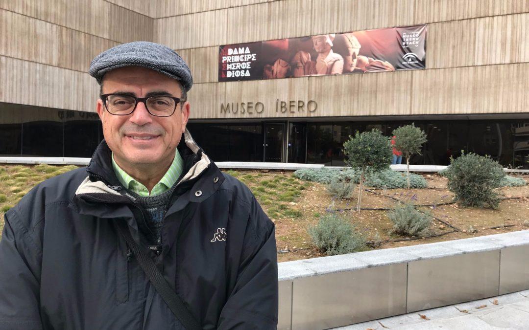 """Enrique Garcés, periodista del grupo VIVIR, gana el premio de Comunicación """"Vaccea 2018"""" por su 'Bitácora de Jenri'"""