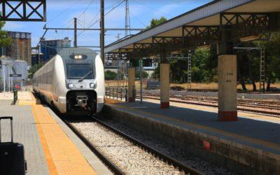 Nueva avería en el tren Jaén-Madrid que obliga a parar en Linares Baeza