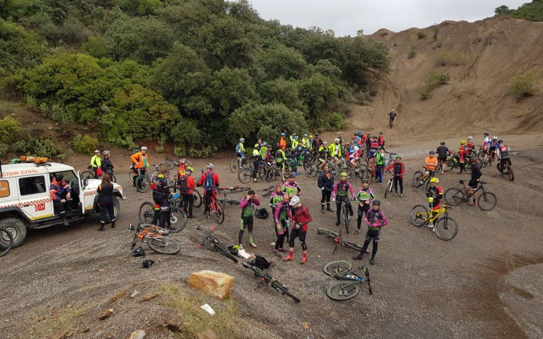 Unas 70 personas realizan una ruta cicloturista por la zona minera