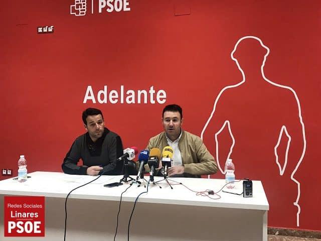 El PSOE de Linares exige al PP que no maree la perdiz y confiese si va a seguir sosteniendo al alcalde
