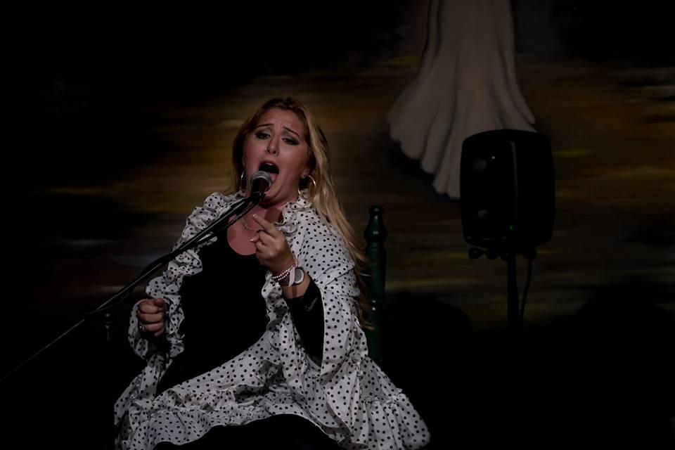 La cantaora Lidia Pérez conquista Manlleu