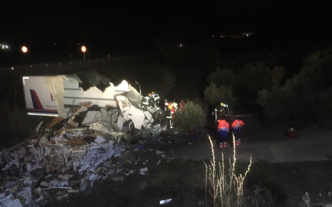 Rescate de un camionero en Torredelcampo