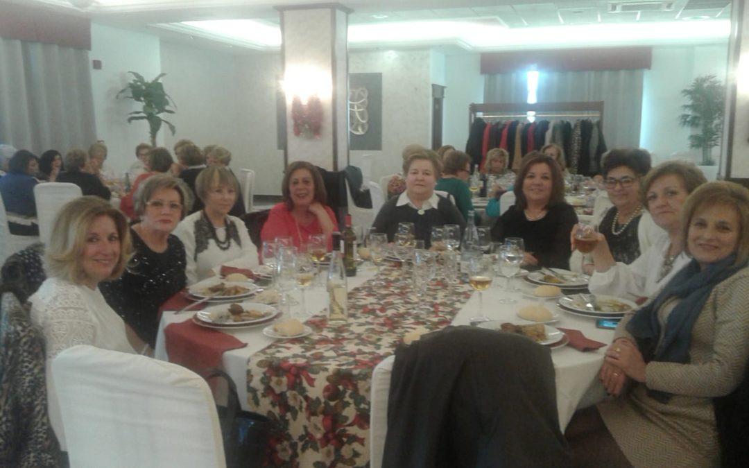 La Asociación Amas de Casa celebra su tradicional almuerzo