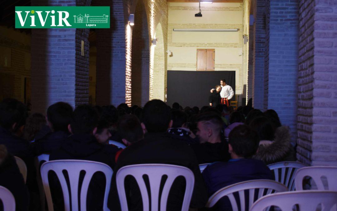 Los alumnos del IES Gamonares asisten a una obra de teatro que repasa el papel de la mujer en la literatura