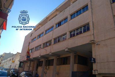 La Policía Nacional de Linares detiene a dos mujeres por desvalijar a una señora mayor que cuidaba una de ellas