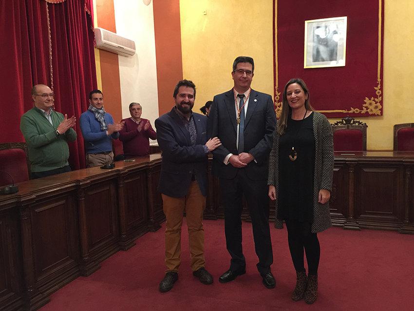 Pedro Ramos recibió el título como Cronista Oficial de La Carolina