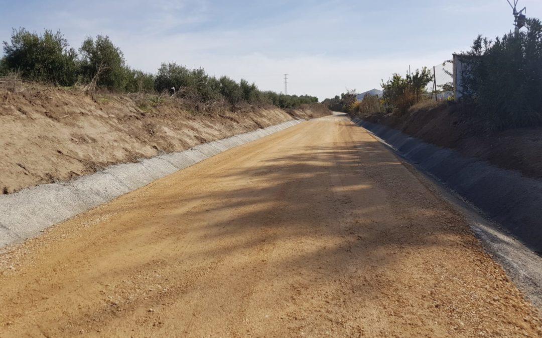 El Ayuntamiento de Lopera invierte más de 90.000 euros en la adecuación de caminos rurales