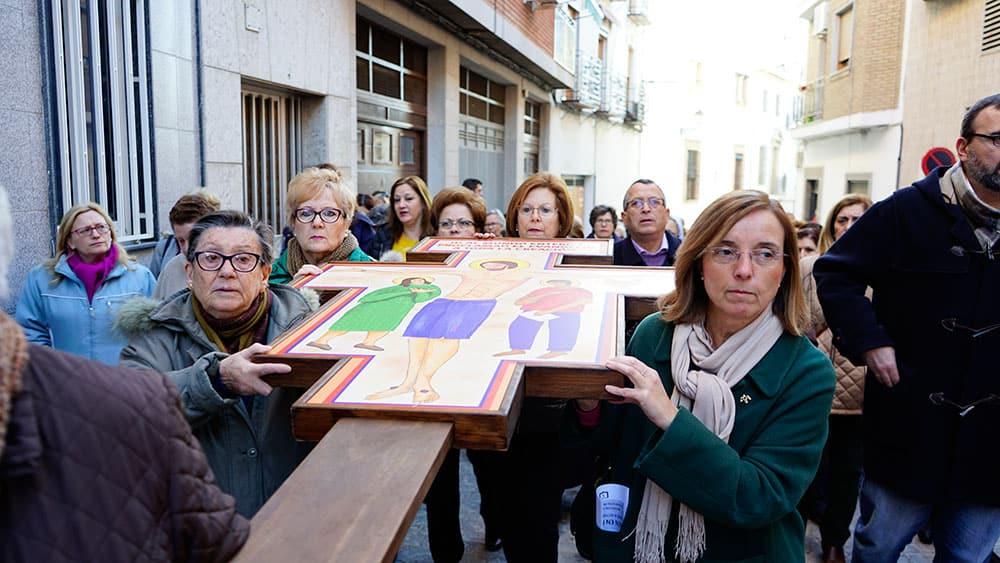 """La cruz de la """"misión jubilar"""" llega a Torredonjimeno"""