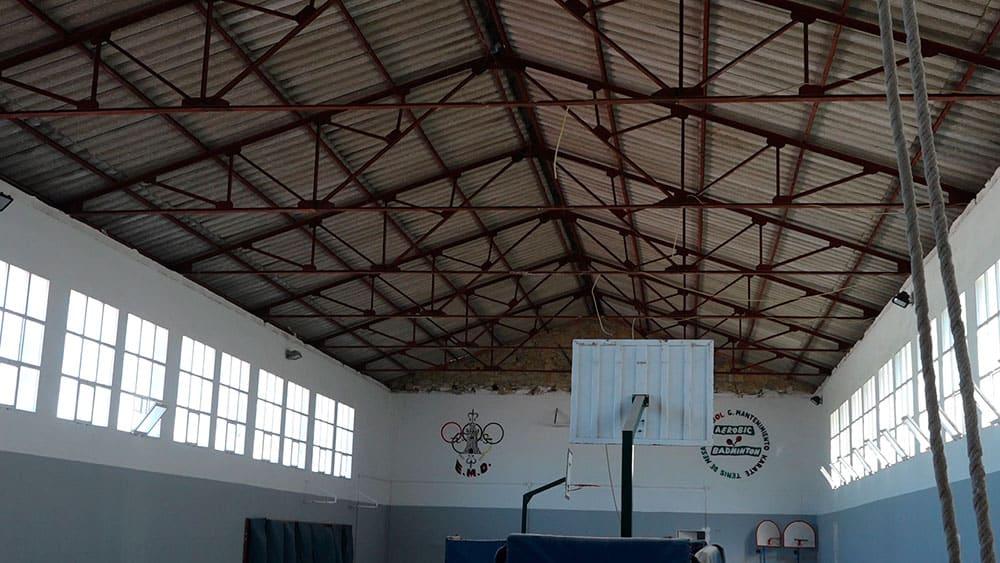 La retirada de las cubiertas de amianto obligan a cerrar toas las instalaciones del Matías Prats