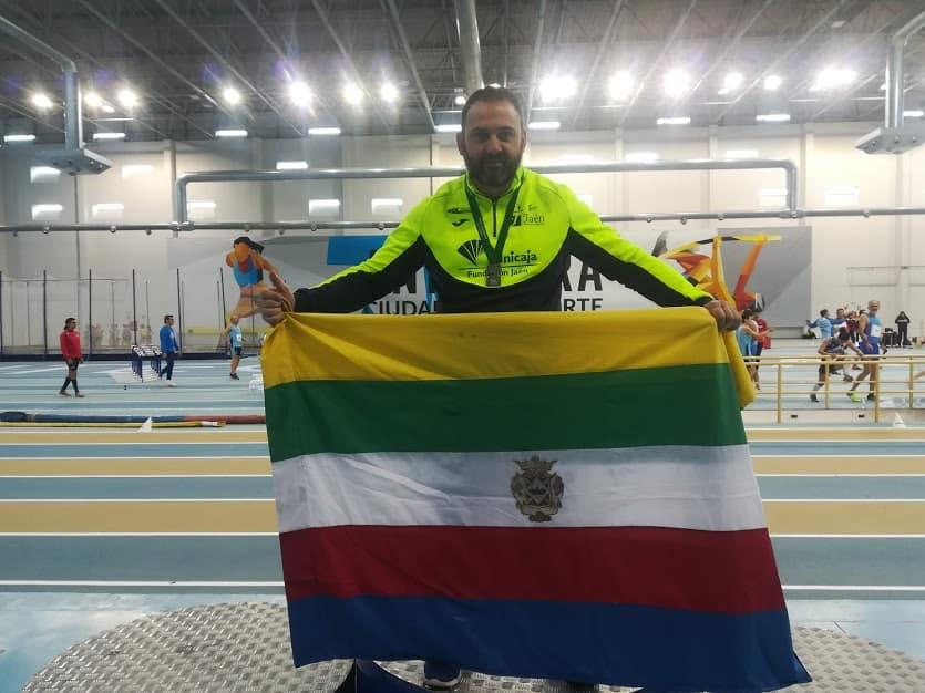 El Atleta Linarense del Unicaja, Carlos Hugo García se proclama Subcampeón de Andalucía Máster en lanzamiento de peso