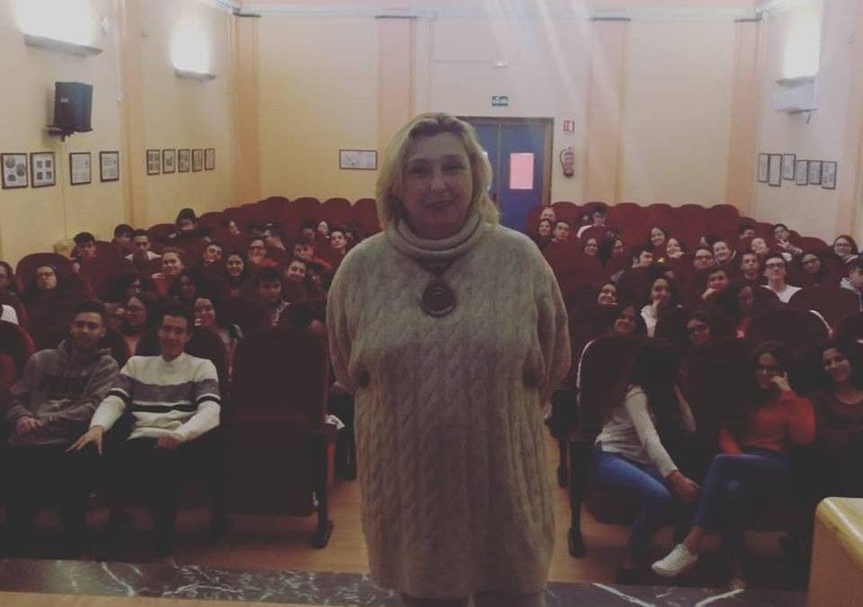 Los escolares del IES Santo Reino conocen la labor investigadora de la mujer