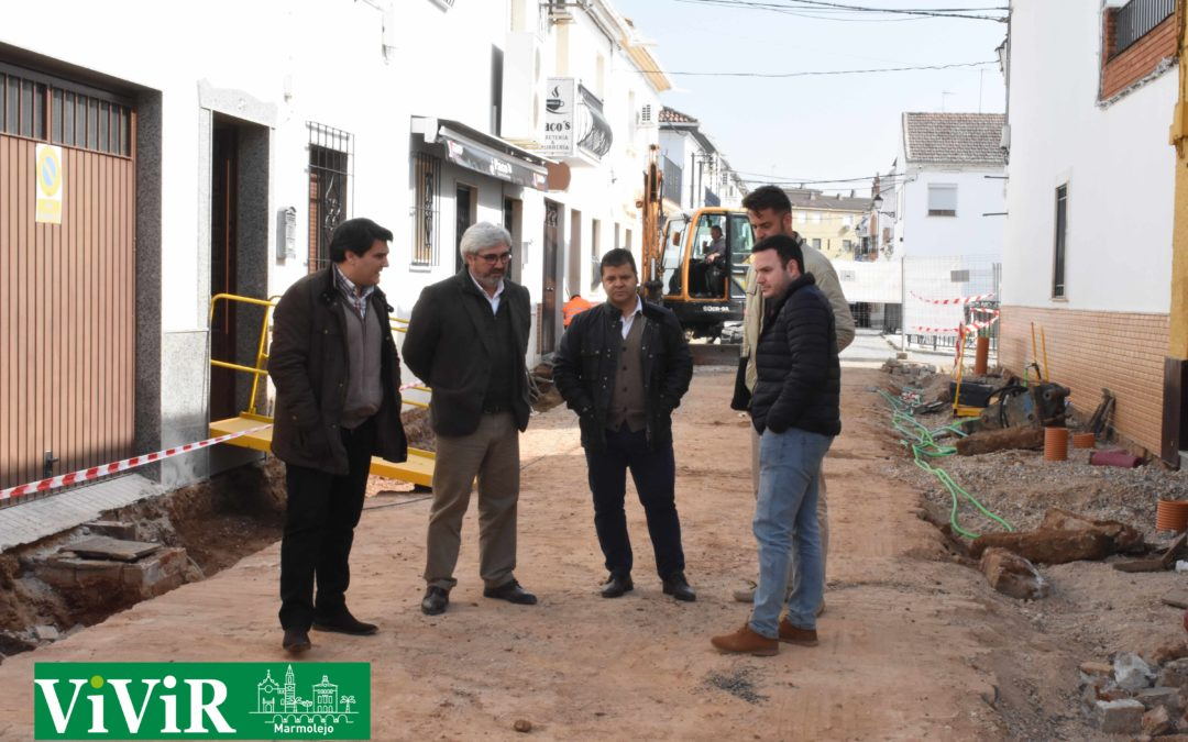 El diputado Bartolomé Cruz visita las obras de la calle Pérgolas