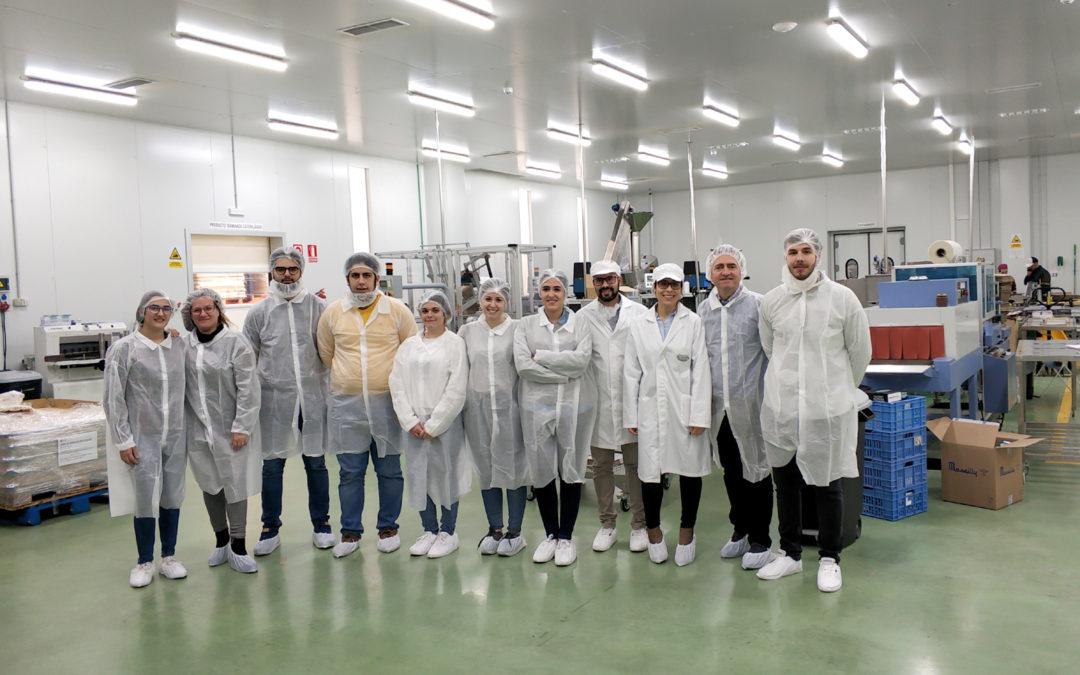 Estudiantes de grado, máster y doctorado de la EPS de Linares visitan la empresa agroalimentaria Gourmet Cazorla