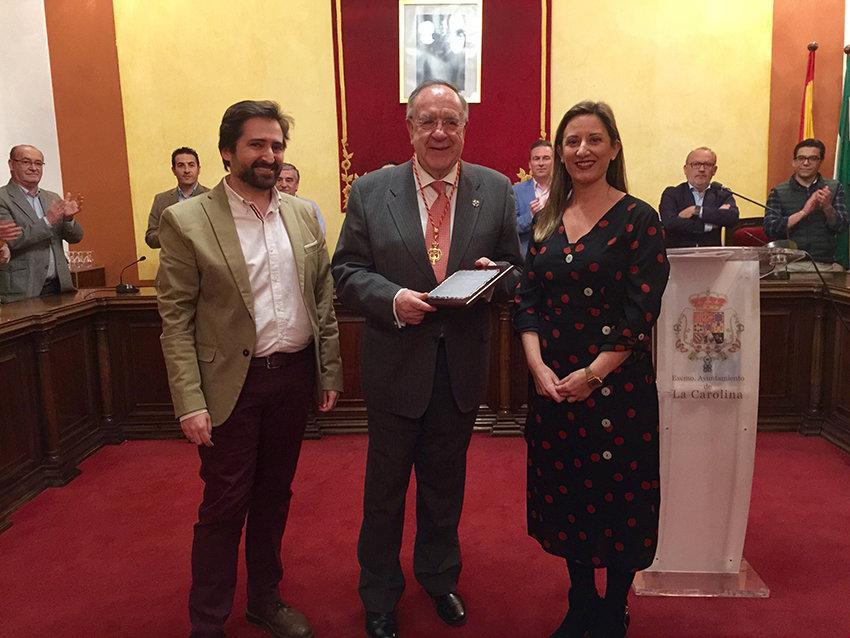 Guillermo Sena Medina es nombrado Hijo Adoptivo de La Carolina