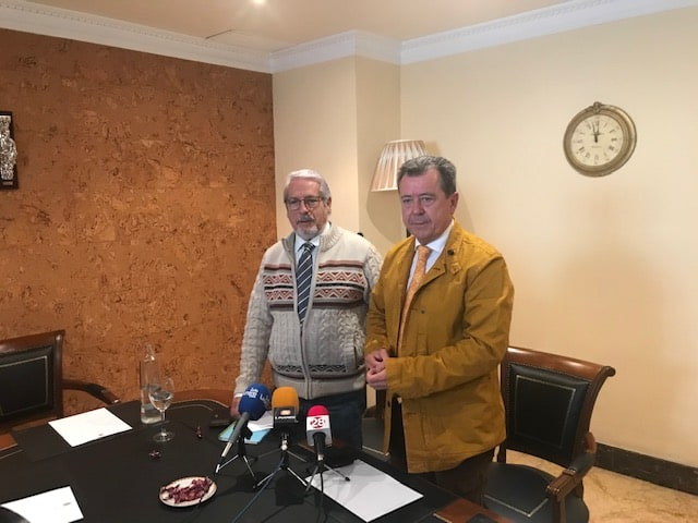Juan Fernández pide al PSOE que den de baja a la portavoz municipal Pilar Parra al imputarla la jueza
