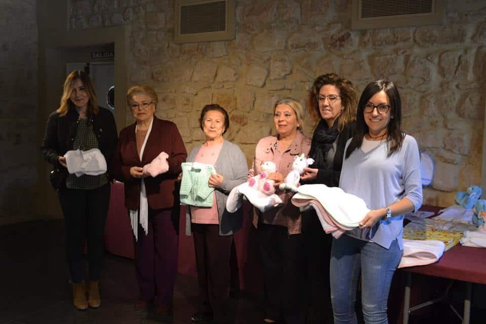 El Pósito acoge una exposición de prensas infantiles realizadas a mano por personas de los centros de mayores