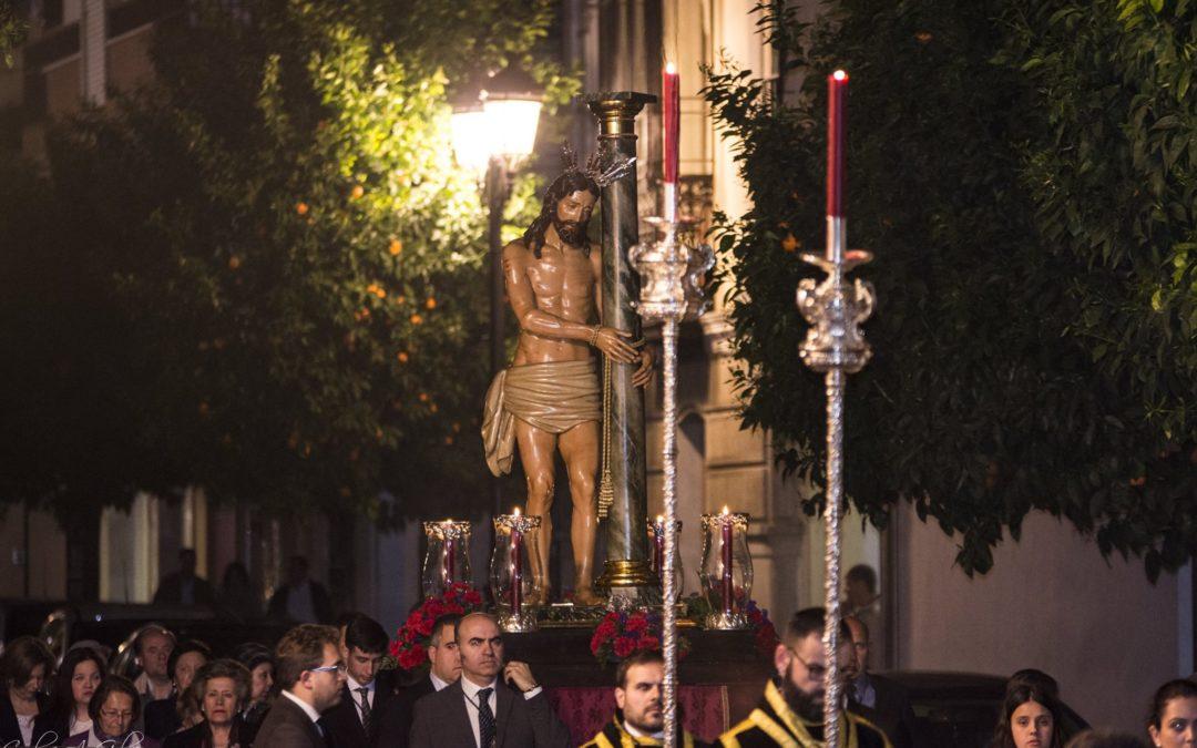 El Señor de la Columna conmueve al Barrio de San Bartolomé