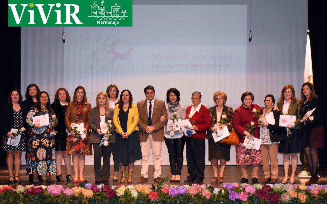 Marmolejo homenajea a sus diecinueve concejalas democráticas