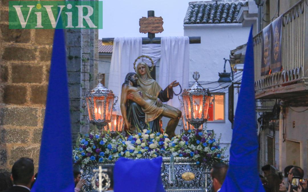 La Virgen de la Piedad iluminó las calles de Alcaudete