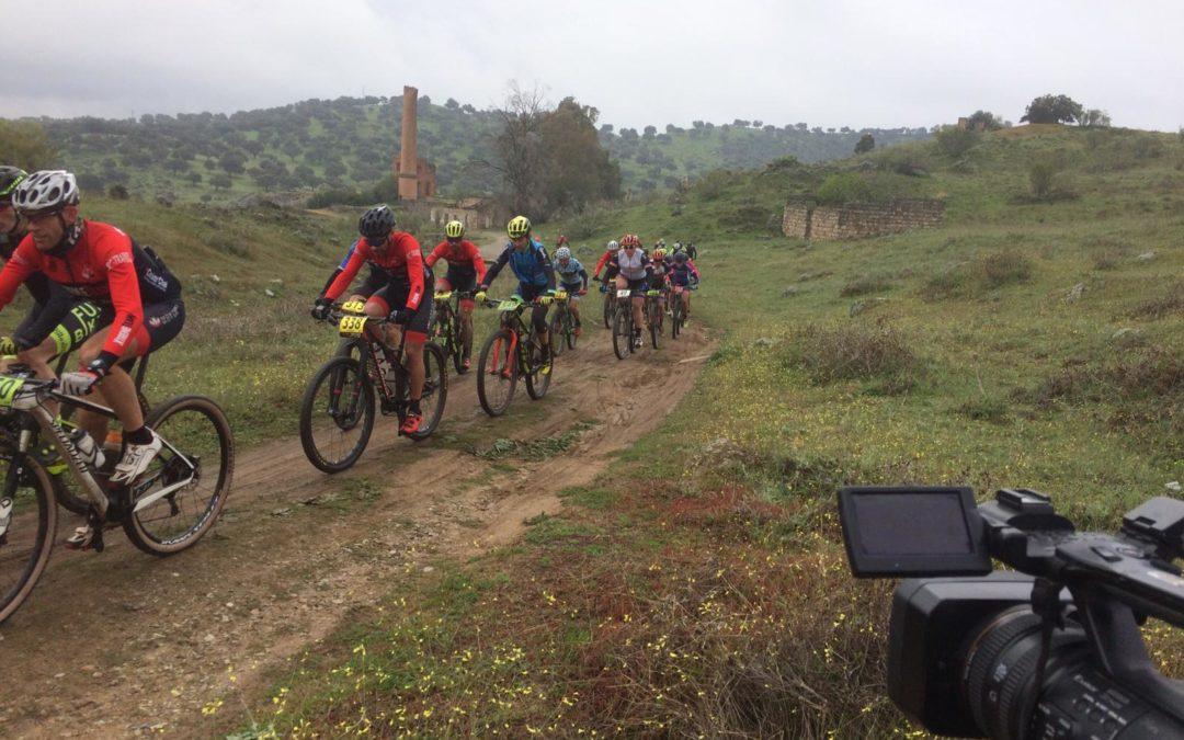 Becking y Fischer se adjudican la primera jornada de la Bike Race por Linares