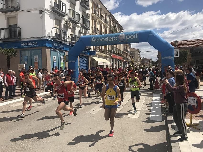 250 corredores participan en la IX Carrera Popular por la Igualdad a beneficio de niños y niñas con cáncer
