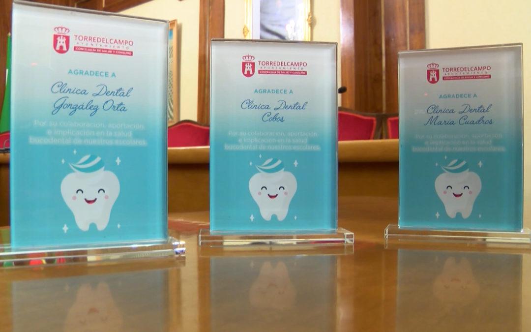 Reconocimiento a las clínicas dentales participantes en el programa infantil de salud bucodental