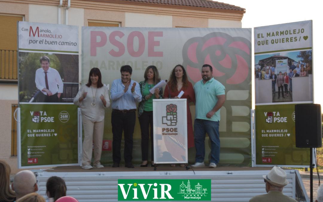 El PSOE marmolejeño lleva sus propuestas hasta el barrio de Las Quince