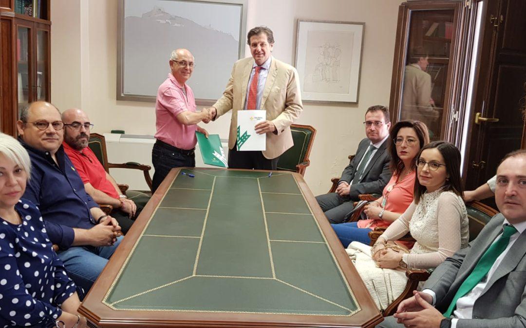 La Caja Rural de Jaén renueva su compromiso con el tejido empresarial de La Carolina