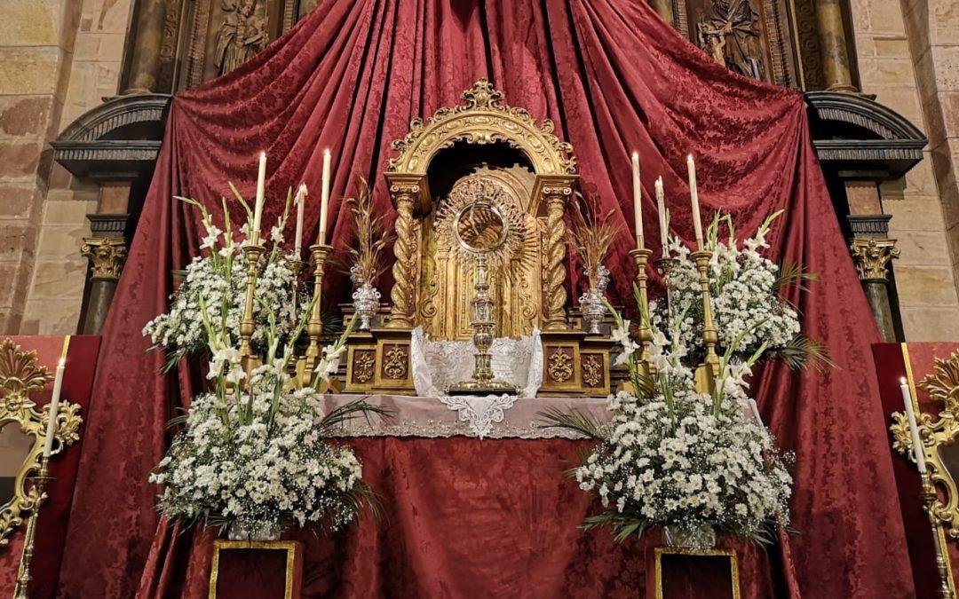 La Hermandad Sacramental consagra los Cultos al Santísimo