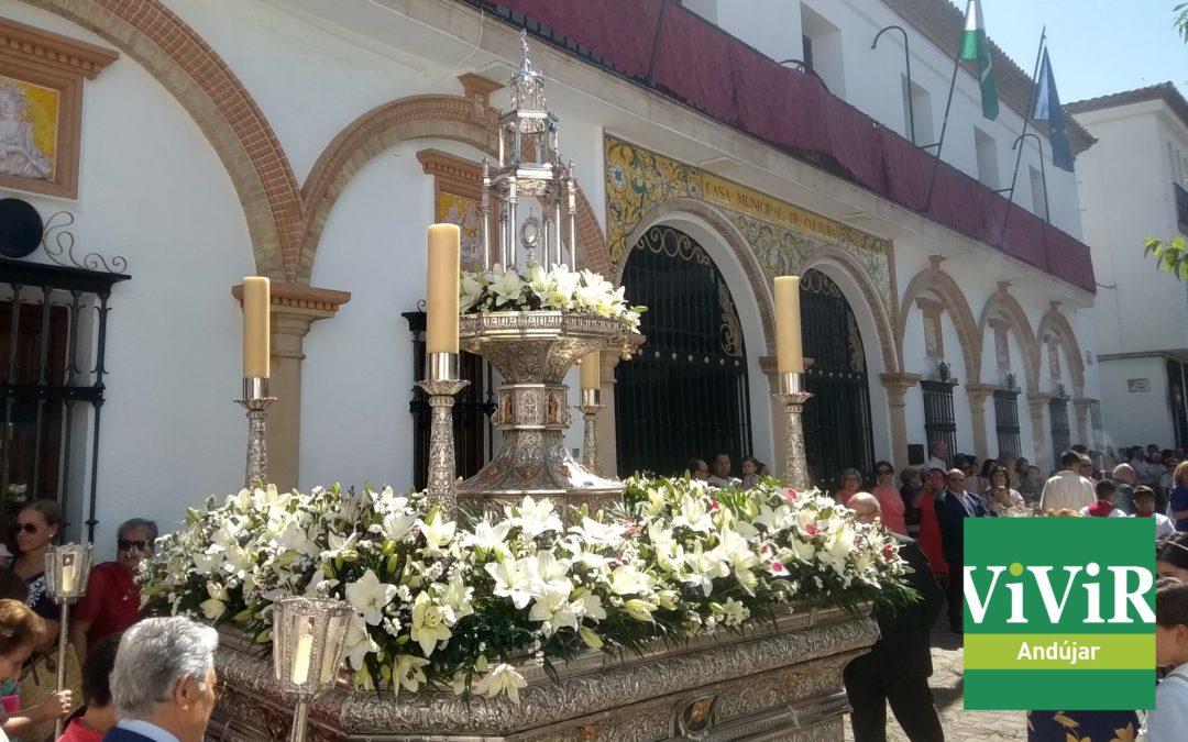 La mañana del Corpus Christi brilla con gran solemnidad