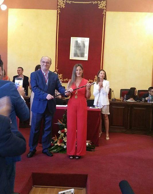 Yolanda Reche ofrece una alianza para trabajar por el desarrollo de La Carolina en la sesión de investidura