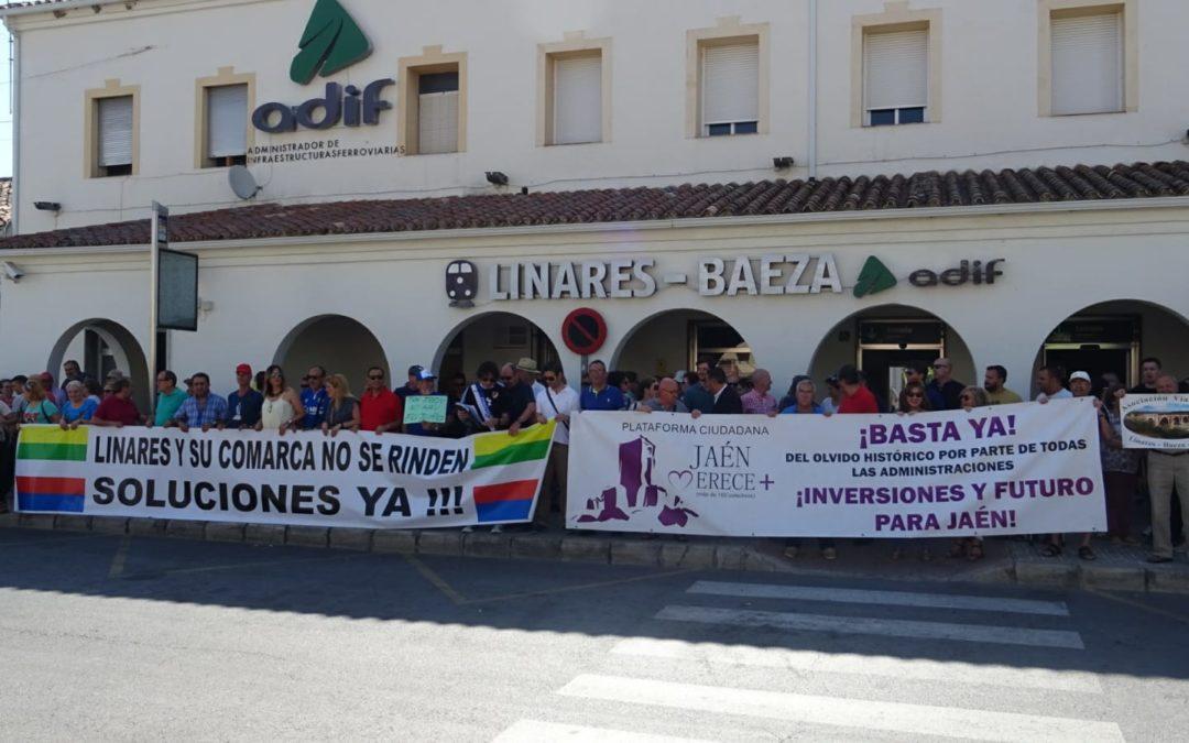 Concentración en Linares Baeza para reivindicar el Talgo Granada-Madrid