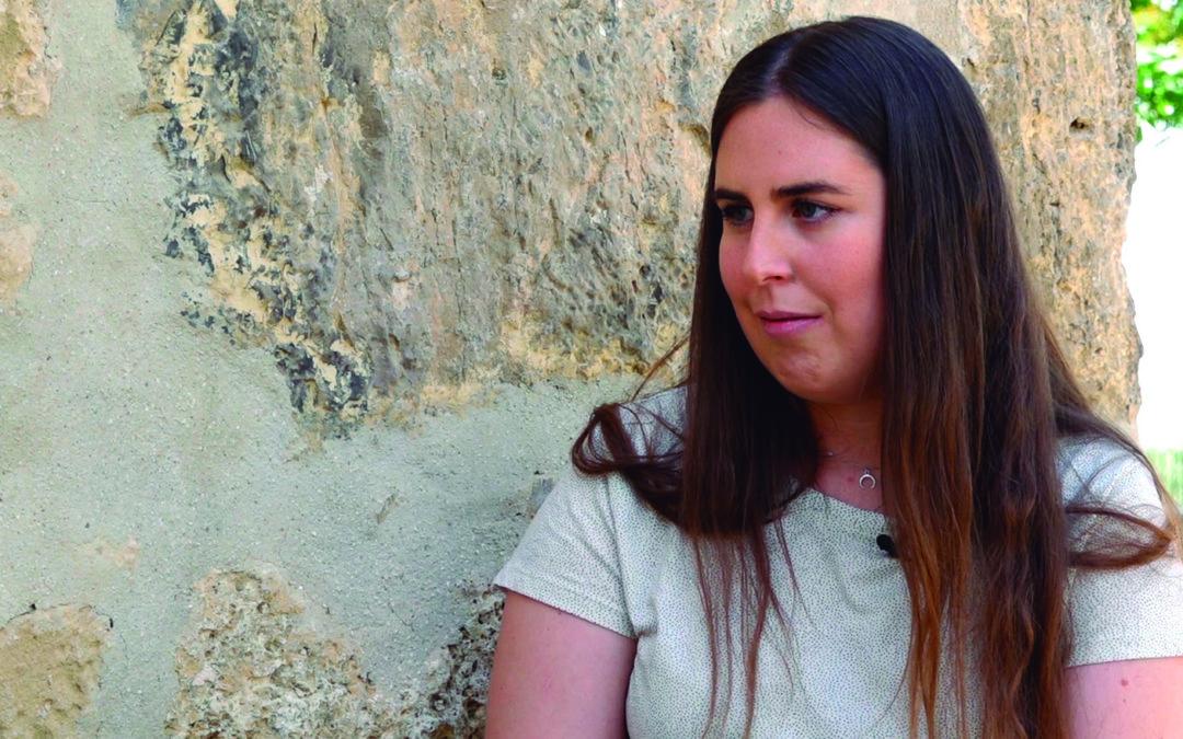 Una investigadora tosiriana estudia los restos pictóricos de la Ermita de Consolación
