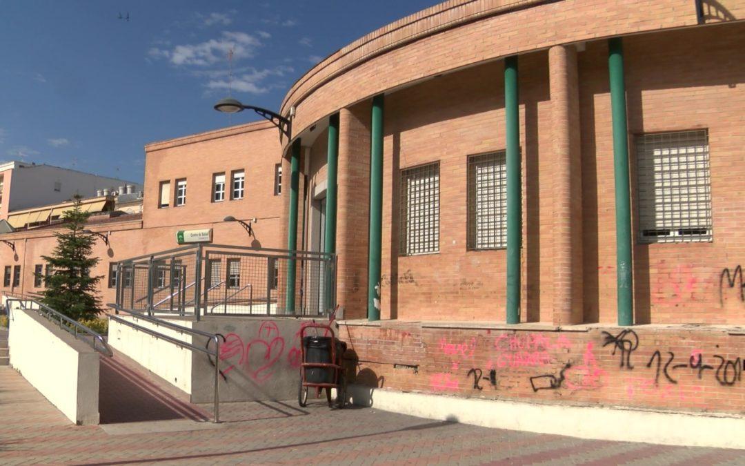 La fachada del Centro de Salud objeto de pintadas