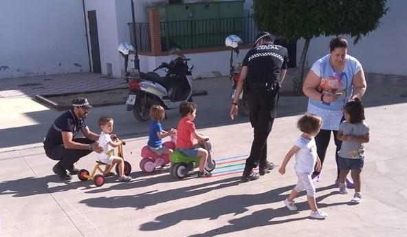 Los pequeños de la Guardería Municipal disfrutan de la Educación Vial
