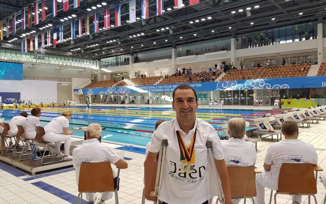 El nadador, Miguel Ángel Martínez, consigue tres oros en Berlín