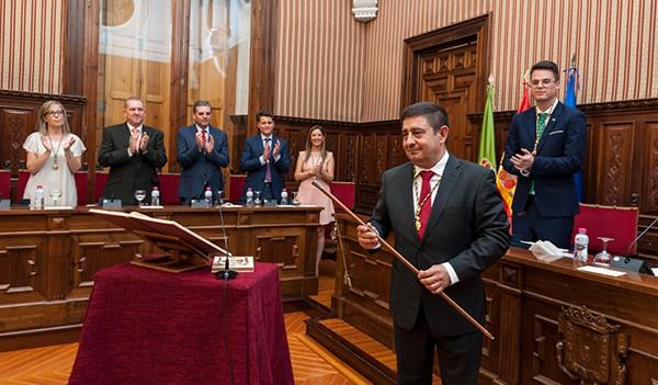 La Diputación echa a andar su mandato con la reelección de Francisco Reyes como presidente