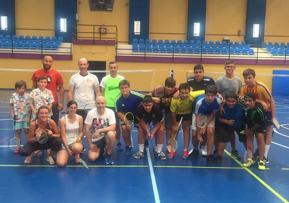 Marmolejo acoge su primer torneo local de bádminton