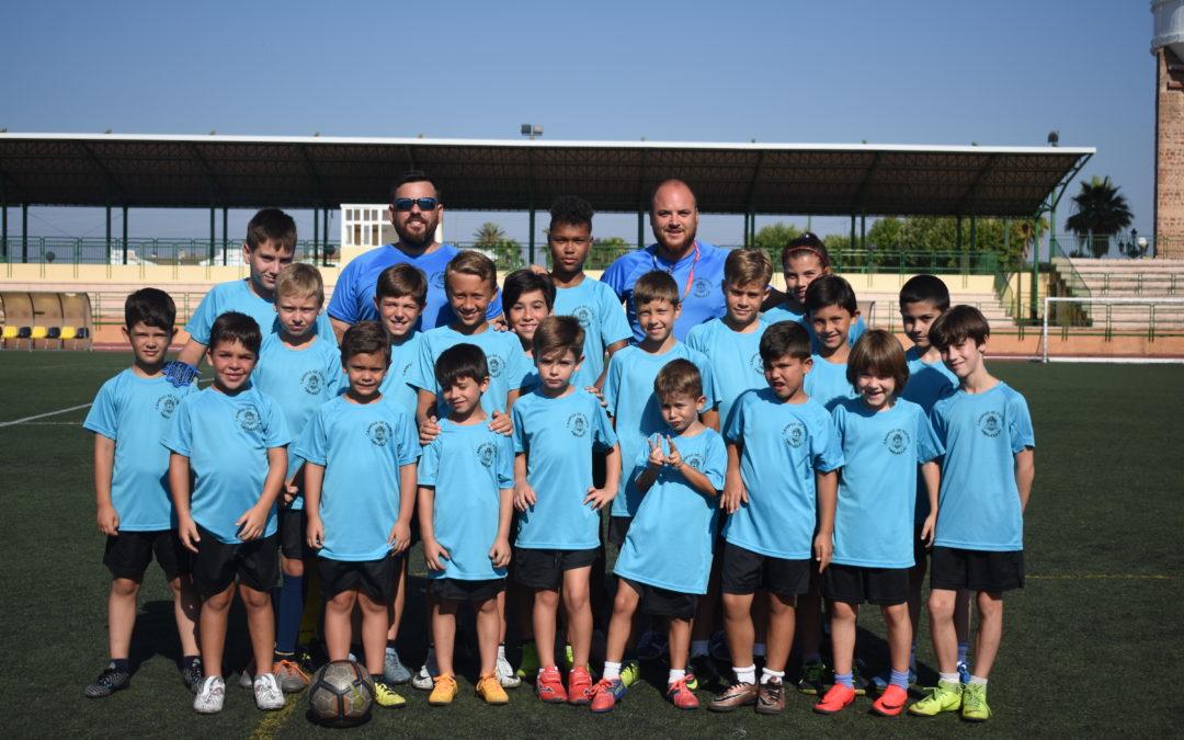 Veintiseis niños se forman en el campus de fútbol de Marmolejo