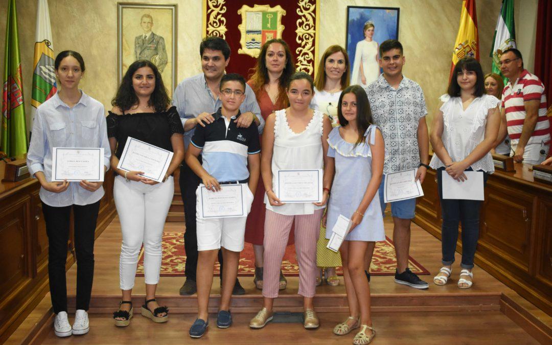 Entregados los reconocimientos municipales a los mejores expedientes académicos