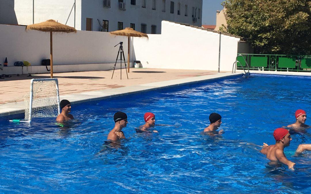 Las clases de waterpolo ya han comenzado en la piscina de Jamilena